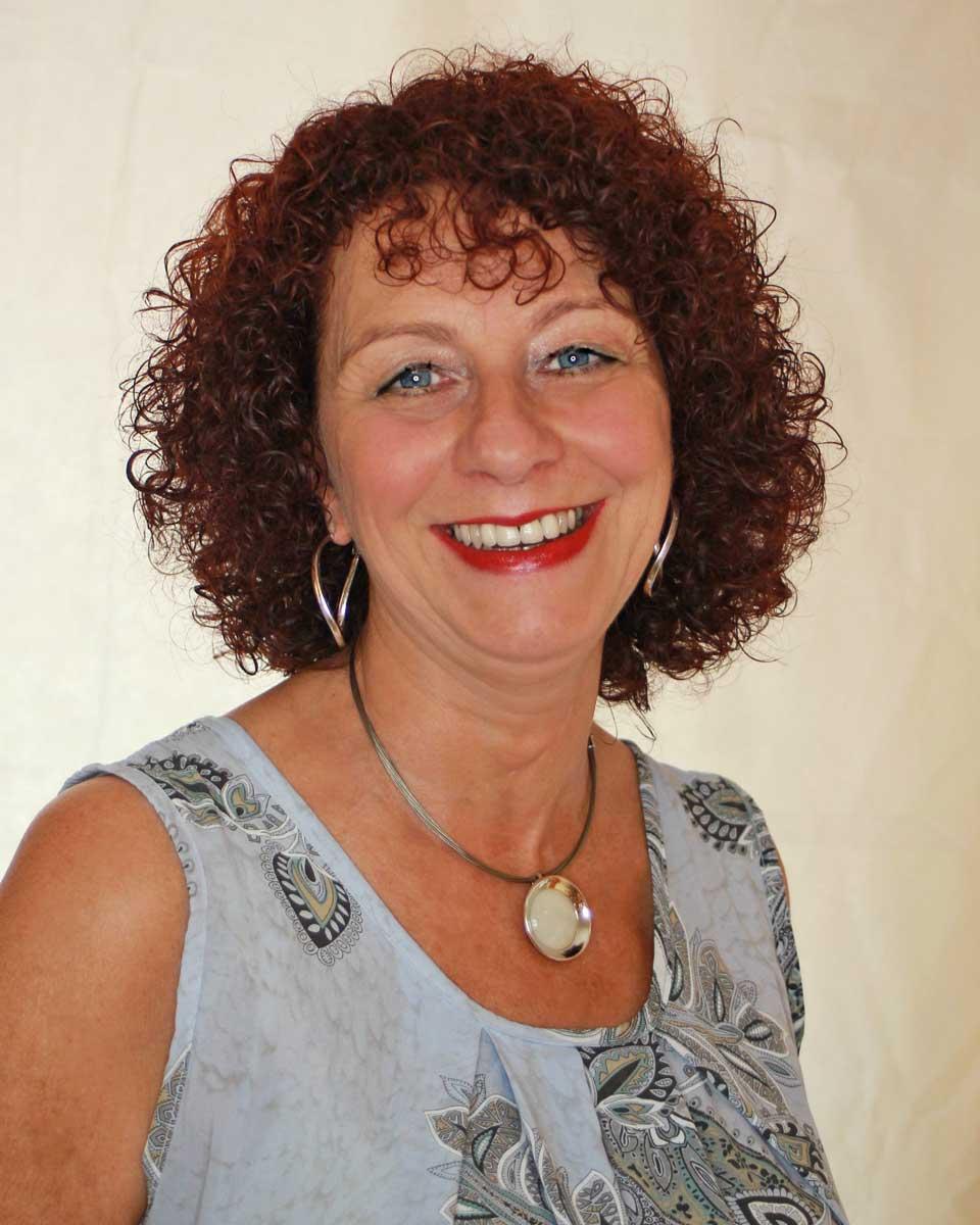Diana Axt - zuständig für Brautfrisuren / Hochzeitsfrisuren und insbesondere Hochsteckfrisuren bei Hair & Flair Diana in Frankfurt
